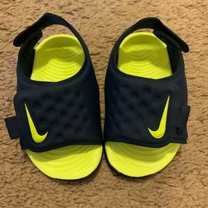 Nike sandals never worn